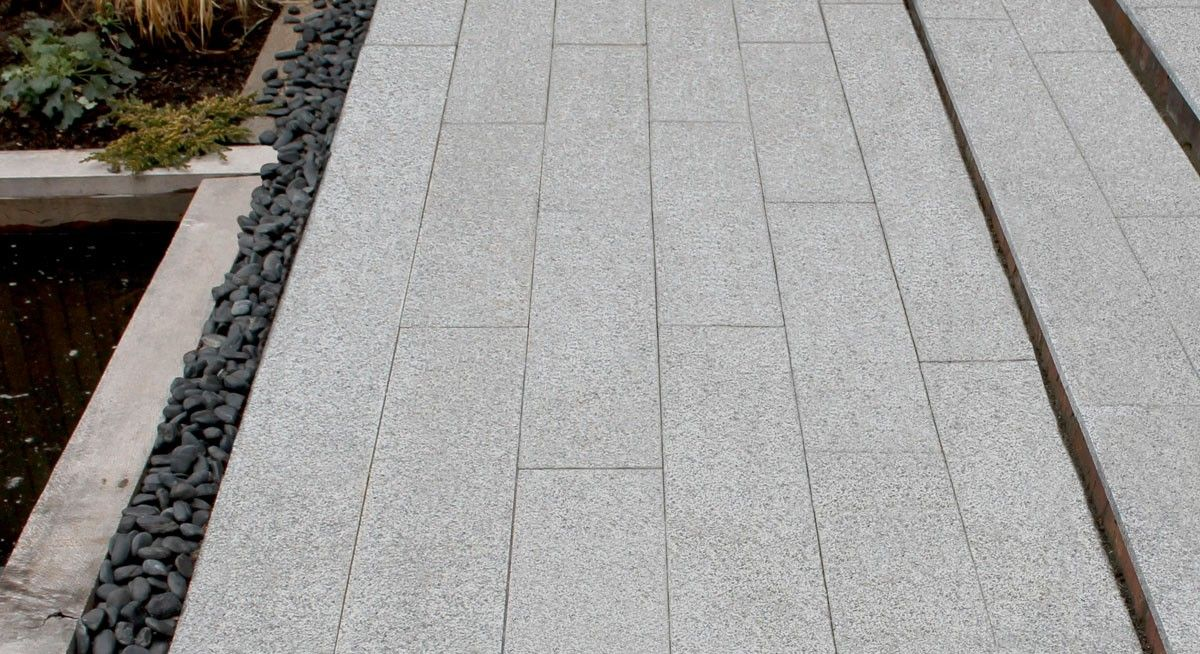 Silver grey linear granite patio paving 800x200 natural granite silver grey linear granite patio paving 800x200 natural granite paving granite garden patio slabs workwithnaturefo