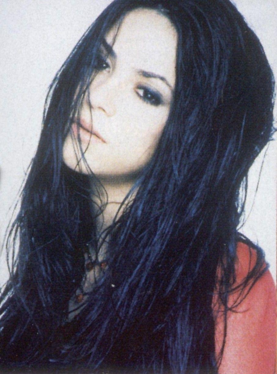 Shakira 1998 Shakira With Black Hair Shakira