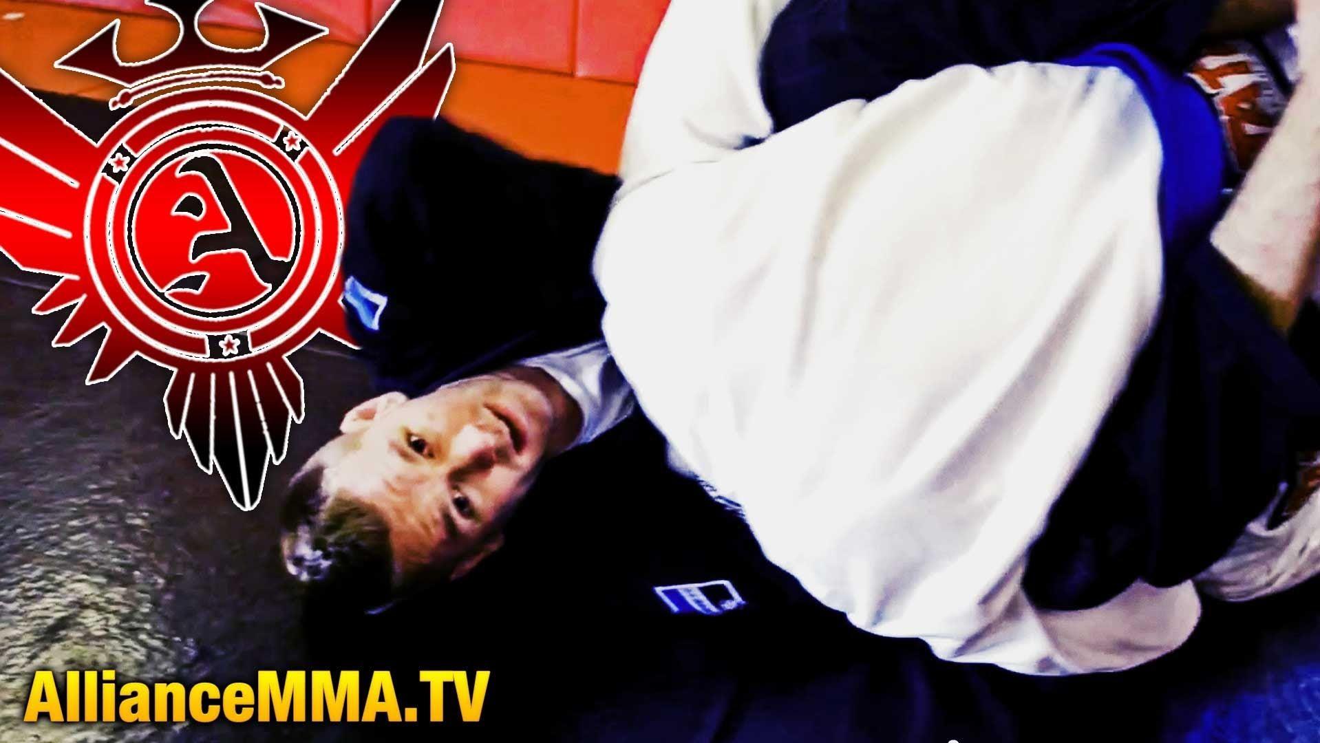 Guillotine Choke Brazilian Jiu Jitsu Techniques Bjj Video Alliance Jiu Jitsu Techniques Brazilian Jiu Jitsu Bjj