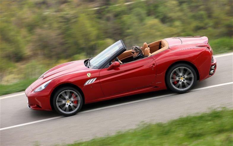 2013 Red Ferrari California Concertible With Images Ferrari