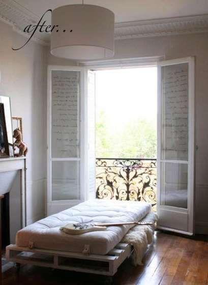 Awesome furniture made from pallets! @Diana Avery Avery Dellana - camas con tarimas