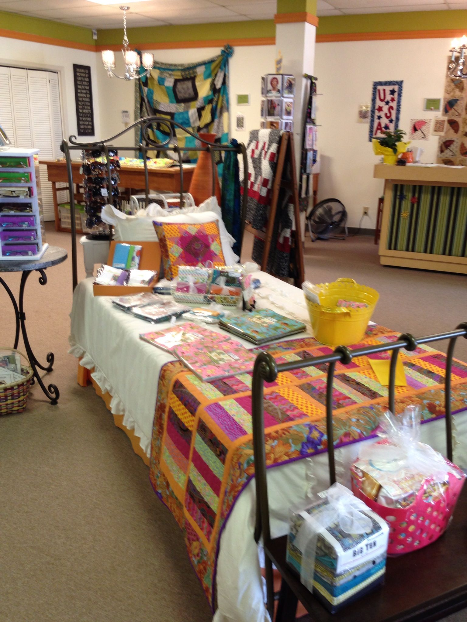 Bed runner and matching pillow made for a local quilt shop ... : local quilt shops - Adamdwight.com