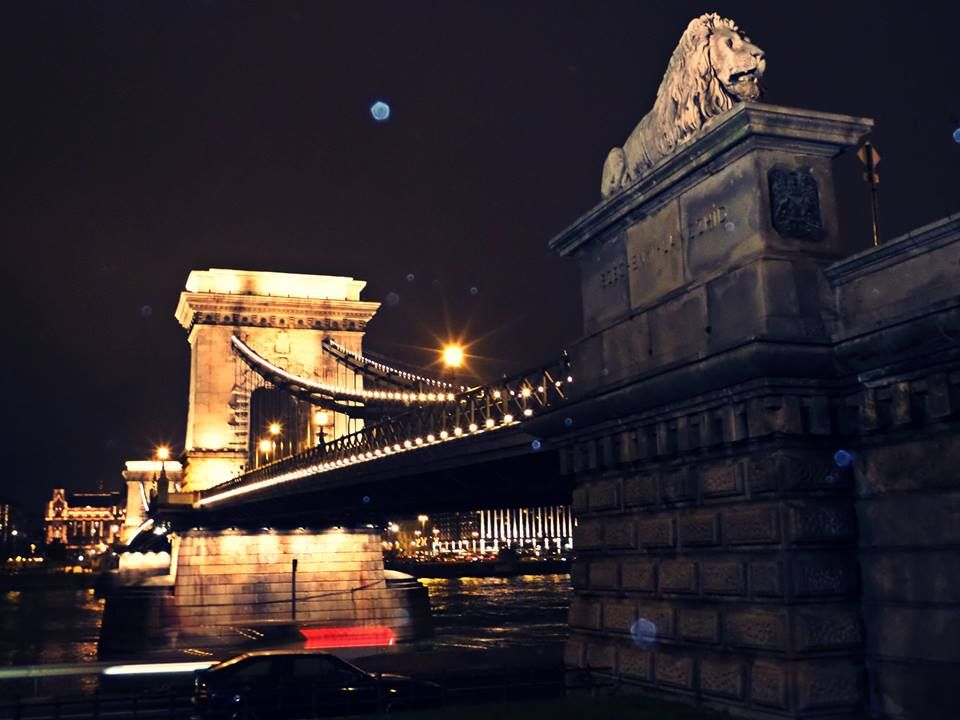 Ponte Széchenyi Lánchíd — em Budapeste.