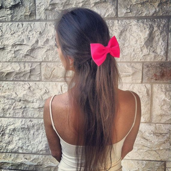 BIG Glowing pink hair bow. $12.90, via Etsy.