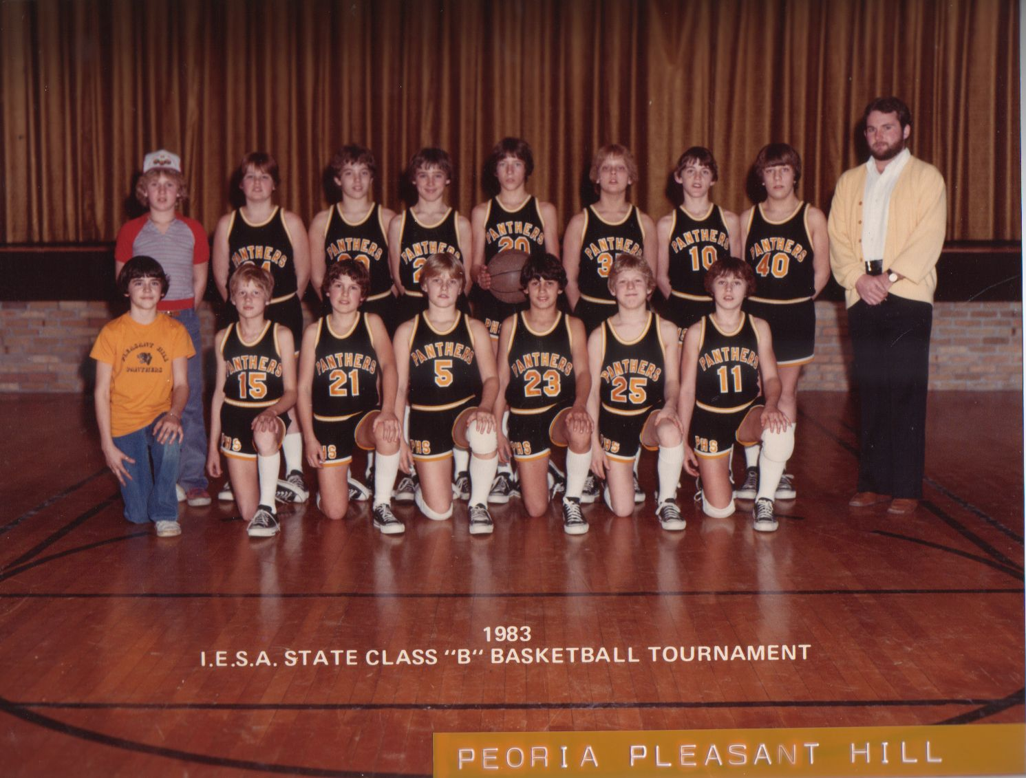 10 Jim Thome With His 1983 Iesa State Basketball Final Team Went On To Find Success In Major League Baseball Basketball Finals Jim Thome Basketball Tournament