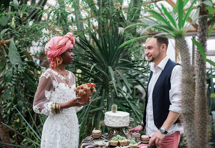 Wedding desserts table - Cactus Wedding Inspiration Shoot in Botanical Garden | fabmood.com #wedding #weddingstyled #weddinginspiration #weddingideas