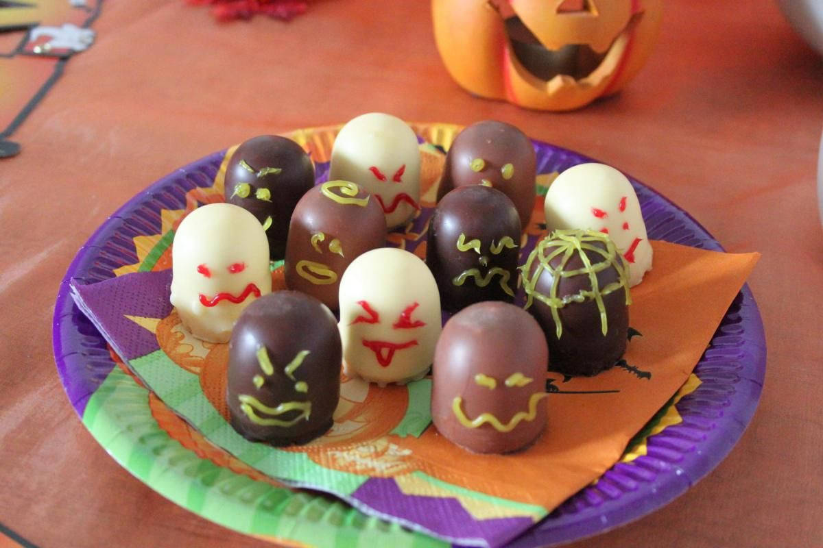 Halloween Special Deko Tischlein Deck Dich Myimpressions4u Halloween Deko Tisch Halloween Tisch Halloween Deko Ideen