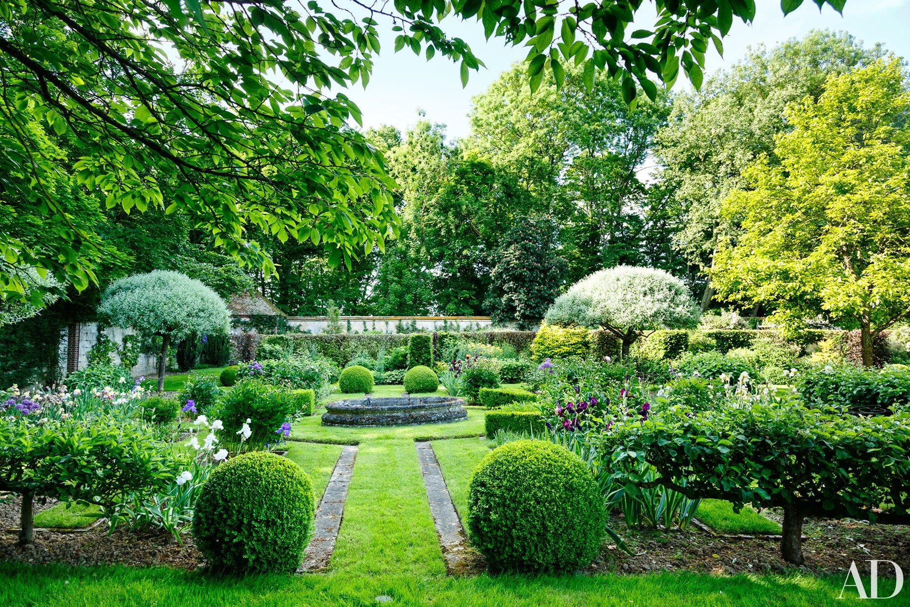 This French Country Estate Boasts Unbelievably Beautiful Gardens By Louis Benech Photos