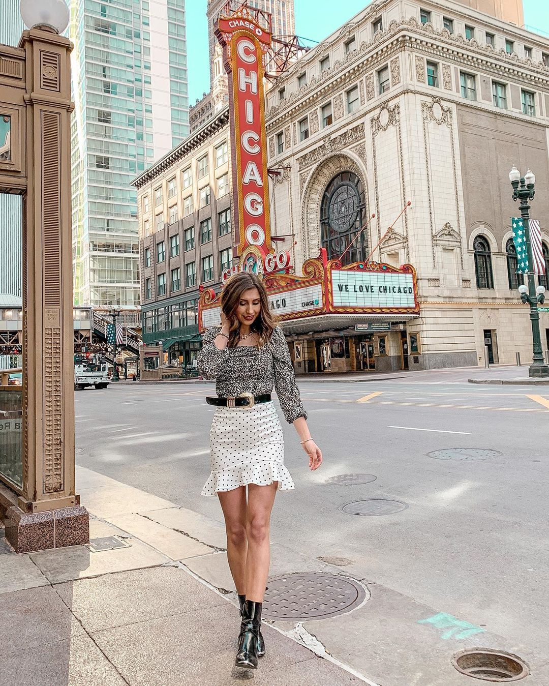 "Ana Burduja on Instagram: ""The Chicago Theatre heart of downtown Chicago. 💗 . . . . #chicagotheatre #chicago #adventure #springoutfits #chicagodowntown #travelchicago…"""
