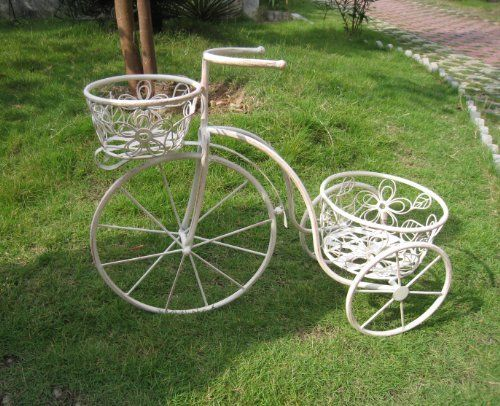 White Wrought Iron Garden Decorative Penny Hing Planter Ornament By Bentley Outdoor Http Www Co Uk Dp 1xi7kk Ref