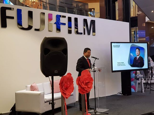 Takeo Hata Managing Director Fujifilm South Africa explains the concept of Value from Innovation at Fujifilm #PrintLifeSA #NewInstax #InstaxSA @fujifilm_sa @InstaxSA #Gauteng #TheLifesWay #Photoyatra #AashishRaiJain #Blogger #SocialMediaInfluencer #Johannesburg #SouthAfrica #6yearsofthelifesway #WalkingwithCamera #photographerwithpassion #instagrammer #iglobal_photographers #ig_great_pics #ig_myshot #shotwithlove #Photography #photographylover #worldbestgram #photographylover www.thelifesway.com