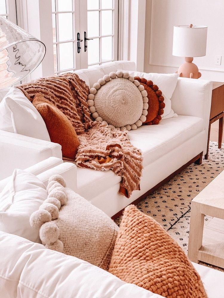 Why does this look so cozy?! #cozyhome #homeideas #livingroomideas