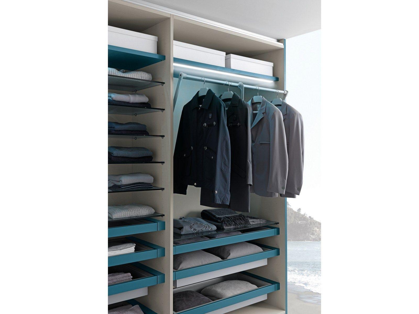 Varius walk in wardrobe by presotto industrie mobili for Presotto industrie mobili