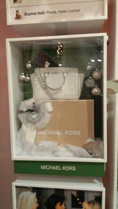 911c37951bd1 Michael Kors Purse! I need this!! | Westfield Valley Fair Holiday ...