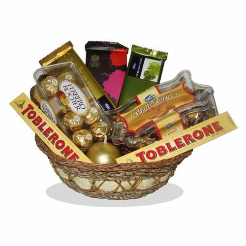 Thank You Gift Basket : buy flowers online, buy cake online, send flowers, cakes to India