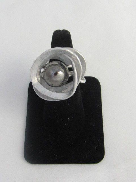 R 105 Saturn Ring