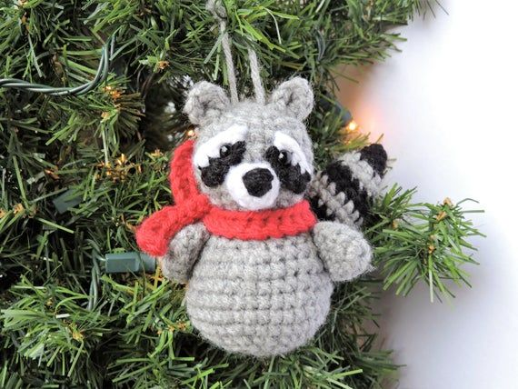 25+ Free Christmas Crochet Patterns For Beginners - Hative | 428x570