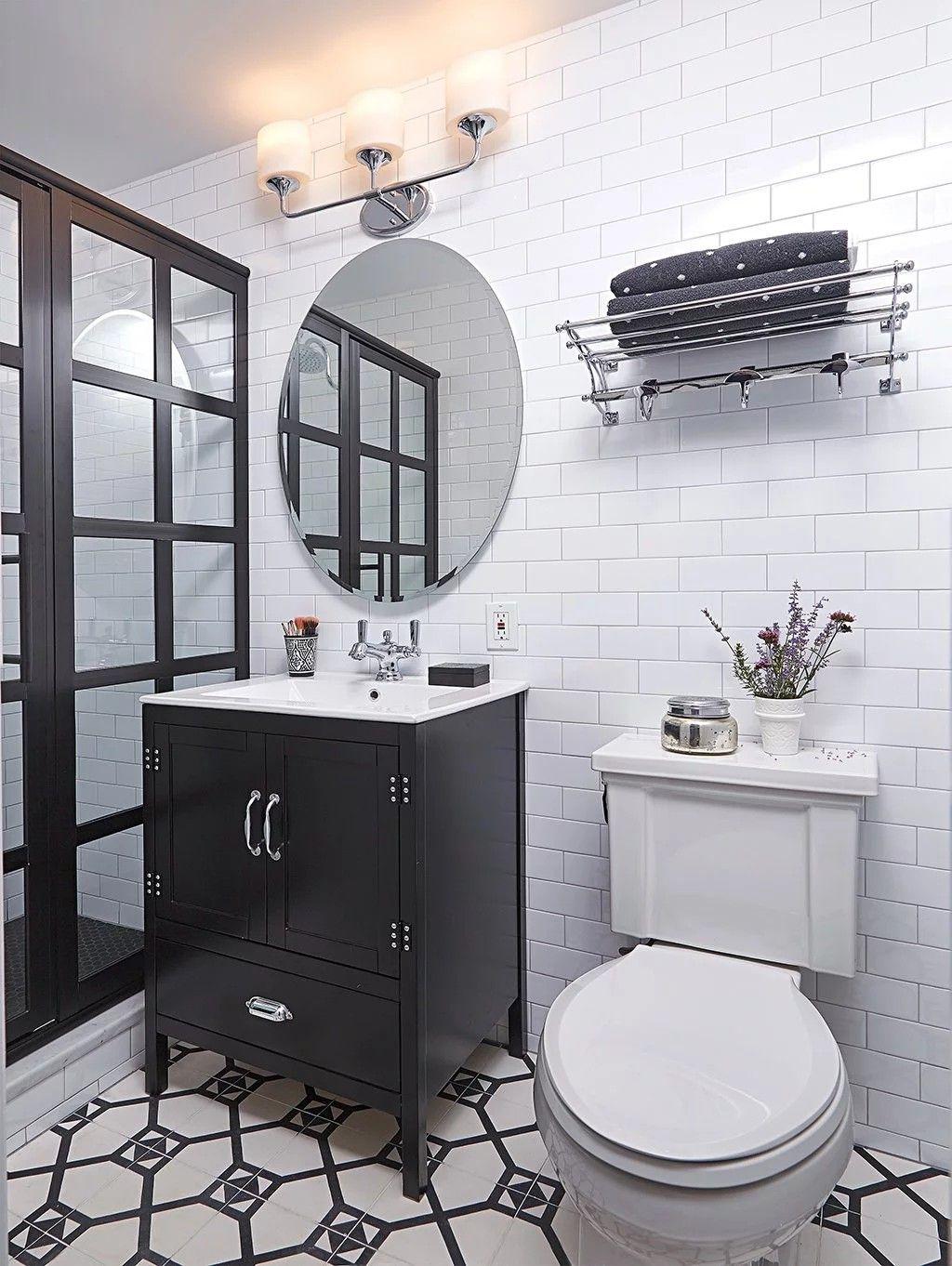 awesome bathrooms. These Awesome Bathrooms Will Make You Forget Boring, Basic White #GRIDSCAPE #SHOWERDESIGN #MASTERBATHROOMIDEAS #SHOWERDOOR #SHOWERDOORS #COASTALSHOWERDOORS 5