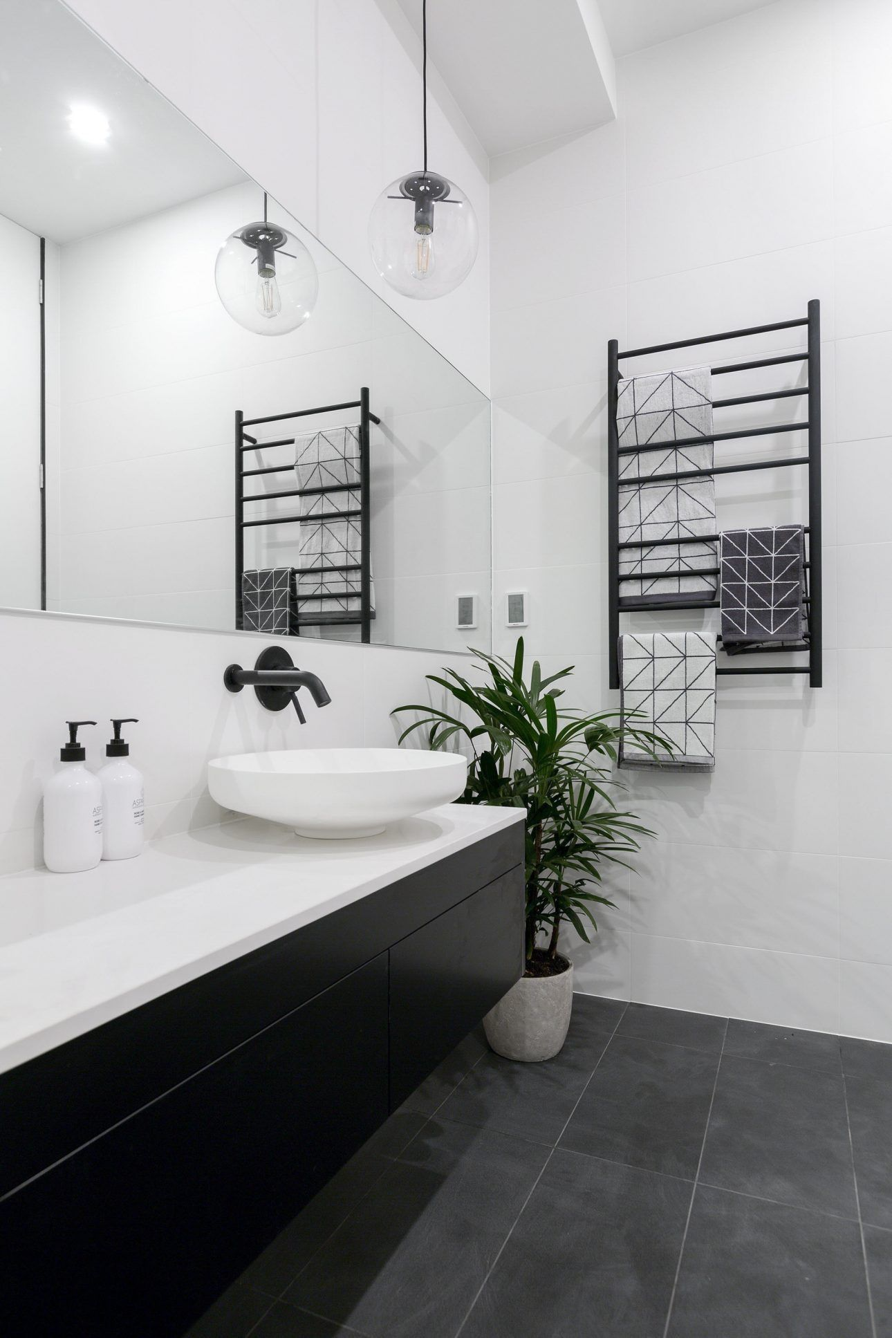 White And Black Bathroom Tile