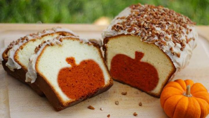peek a boo pumpkin cake and other great Halloween treats and desserts