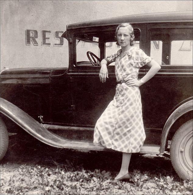 Restaurant Stop Pose Bonnie Parker Bonnie N Clyde Bonnie Clyde