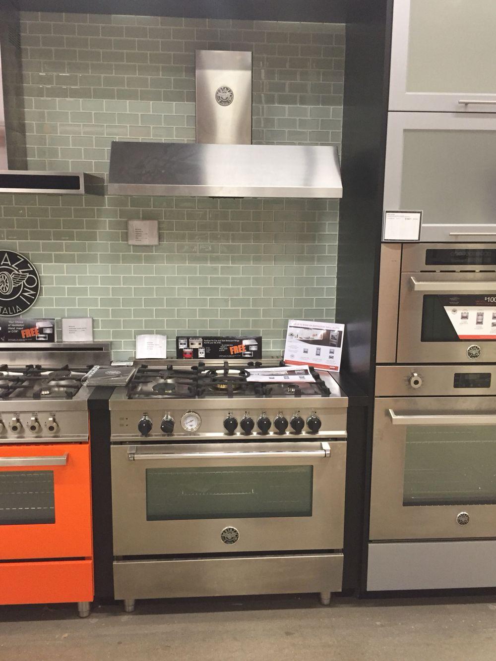 Bertazzoni 36 Range And Hood Kitchen Inspirations Kitchen Tools Design Cool Kitchens