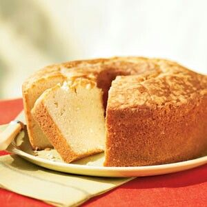 Coconut Pound Cake 1 Box White Or Yellow Cake Mix 1 Box Vanilla Pudding Mix 1 1 4 Cup Milk 4 E Sour Cream Pound Cake Pound Cake Recipes Buttermilk Pound Cake