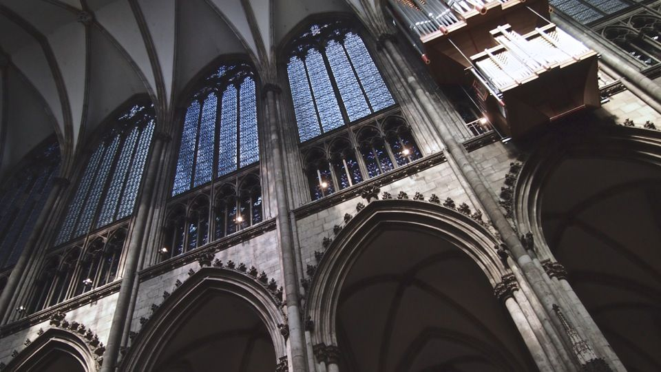 5. The Light & Airy Interior Before gothic architecture ...