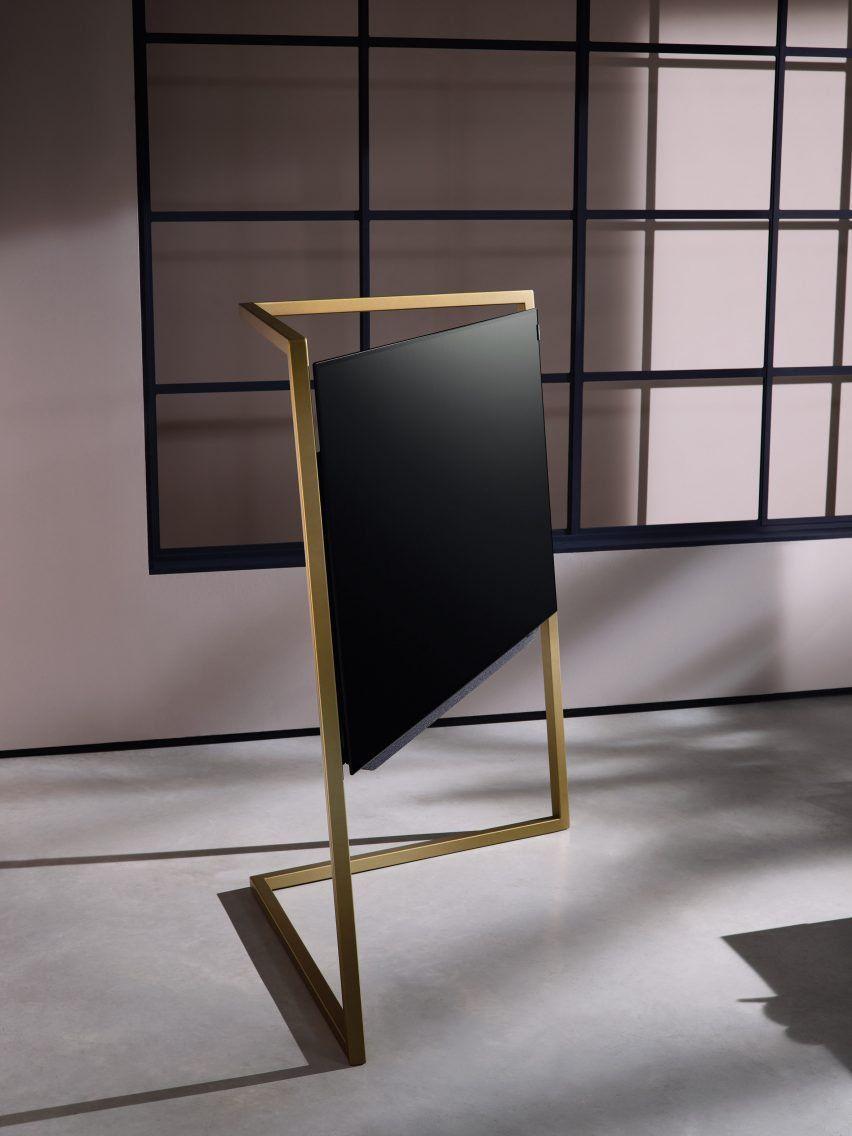 Bodo Sperlein S Latest Product For Loewe Aims To De Geezer The Tv  # Deco Table De Tv
