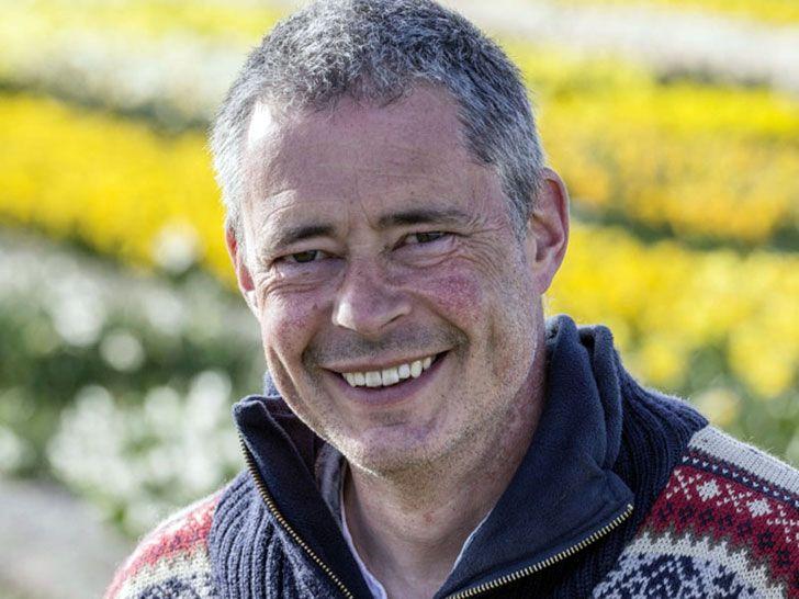 Blumenzwiebel-Wissen: Carlos van der Veek, Narzissenspezialist, stellt  gemeinsam mit Eric Breed, Tulpenspezialist, das Sortiment für den Webshop www.fluwel.de zusammengestellt.