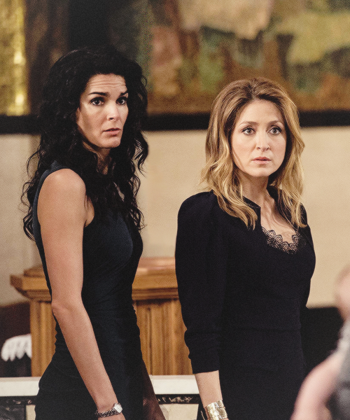 Rizzoli and isles they look scared tv series pinterest