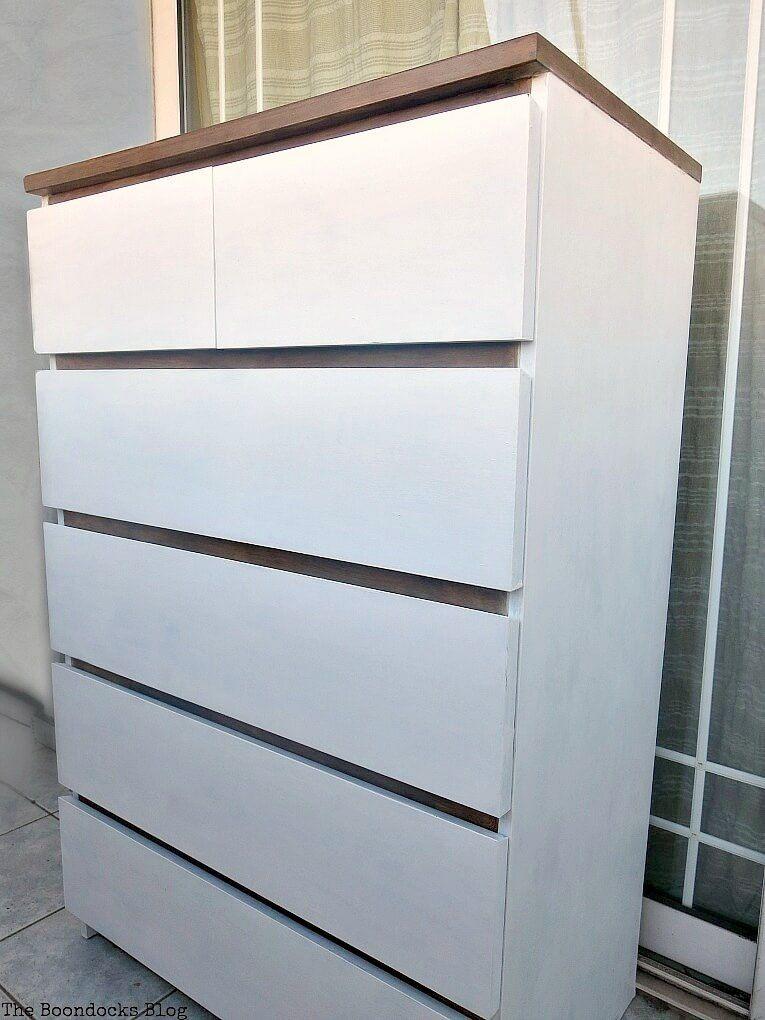 Giving farmhouse style to an old ikea dresser http www - Comoda malm ikea ...