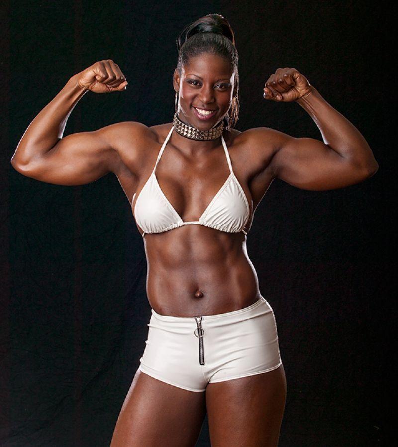 African women nude wrestlers metal'_7 (2009)