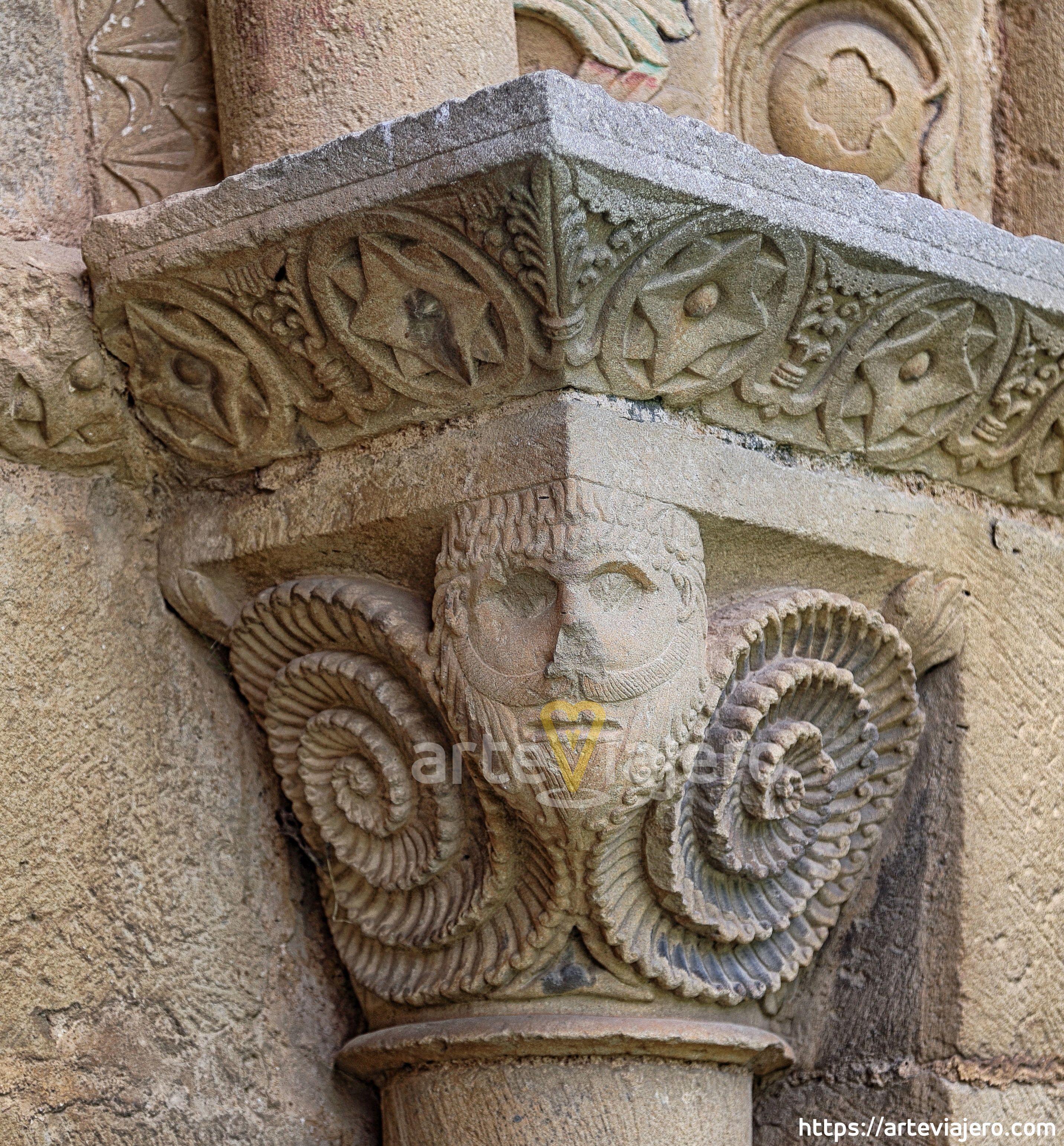 Capitel Románico De La Iglesia De Olcoz Navarra Capiteles Arquitectura Romana Iglesia Románica