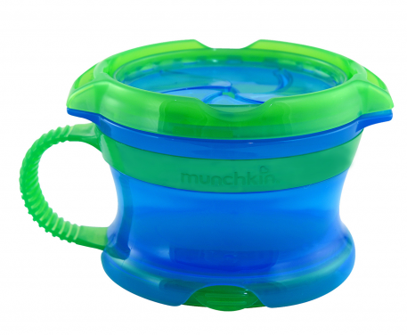 Must-have for toddlers: @Munchkin Snack Catcher {we love the new lid design!}