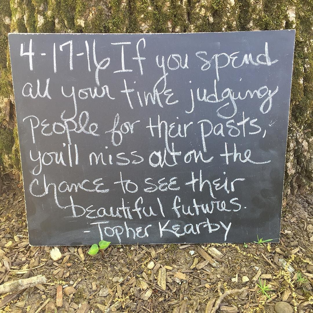 Happy Sunday! Let people evolve.  #chalktalk #ionlytalkinchalk #chalkboard #chalktalktraveledition #topherkearby #quote #future #sunday #sundaysoulsay #happysunday  Sorry there wasn't a Chalktalk yesterday.  I was traveling and performing. I'm back! @topher_writes by leannrimes