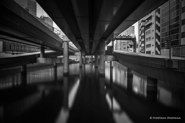 A concrete spider by Hidetaka Onoyama