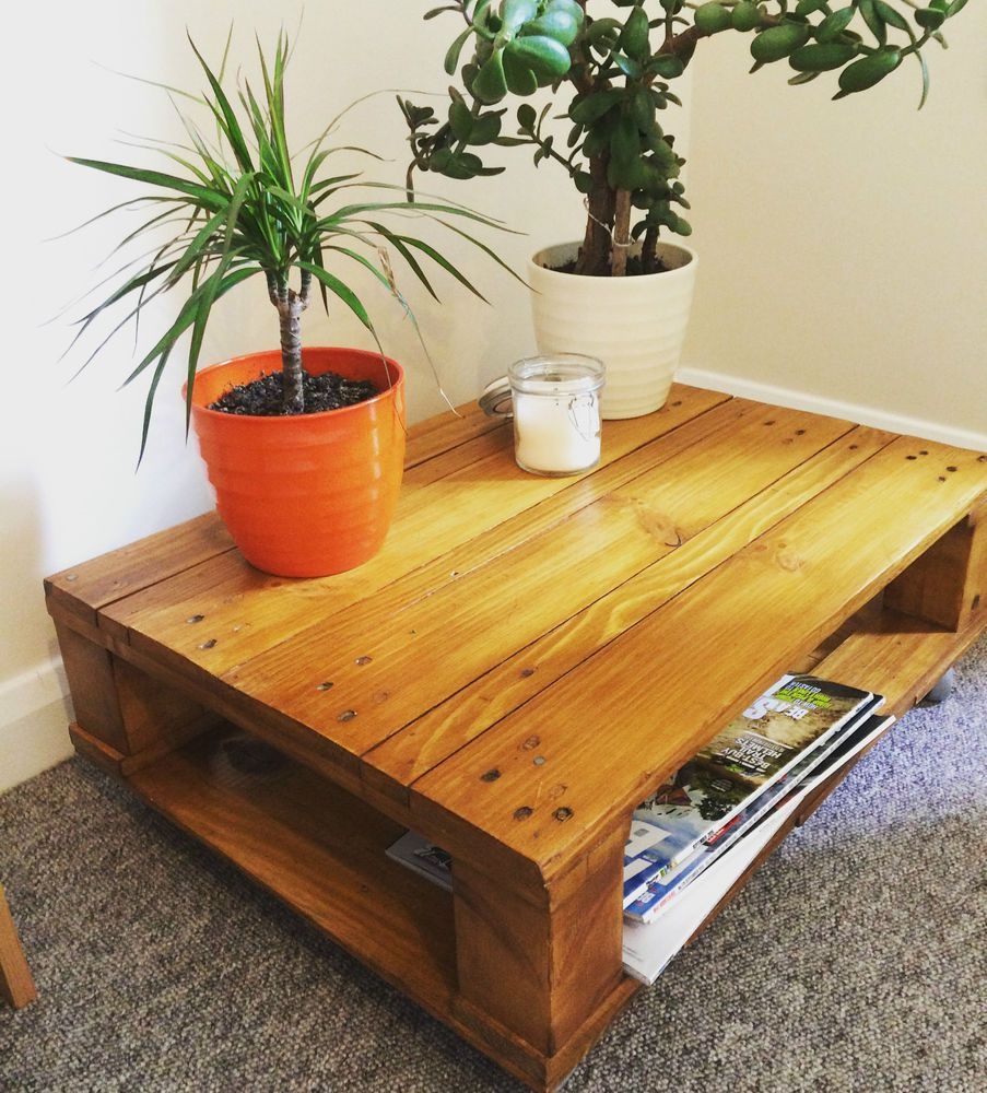 Small Pallet Coffee Side Table / Magazine Rack Storage