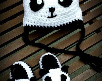 Two piece set++Baby Panda slippers With a Panda earflap Hat