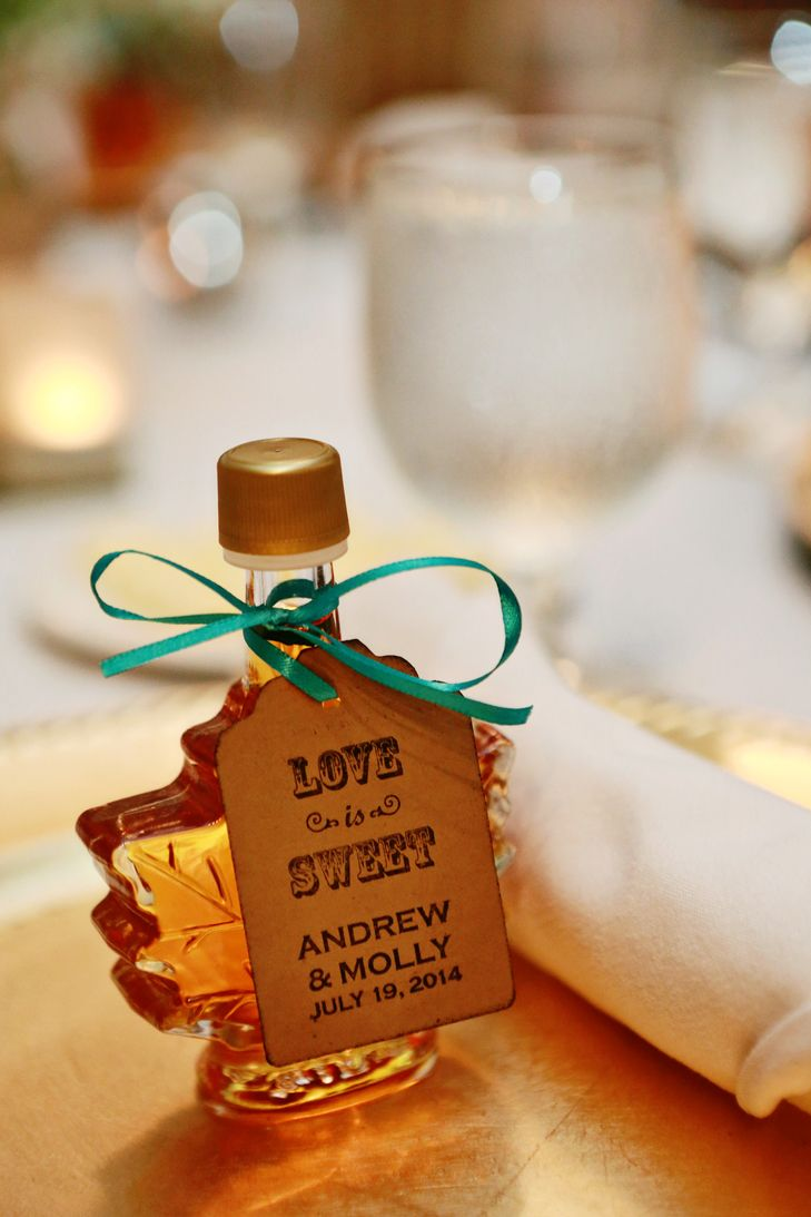 fall wedding favors Maple Syrup Wedding Favor Two Sparks Wedding Photography Martha Washington Inn