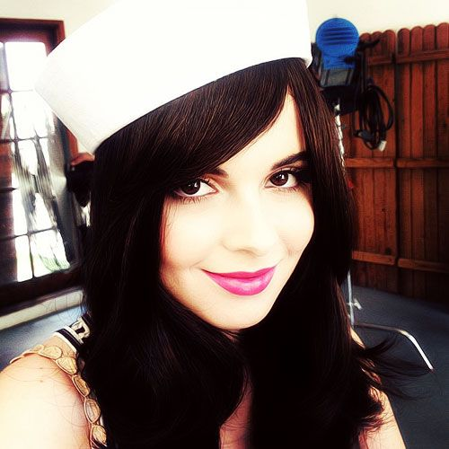 julesmakeup:Little sailor Vanessa Marano on set today#BTS#makeup