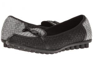 bernie mev. Leah (Pewter/Black) Women's Flat Shoes