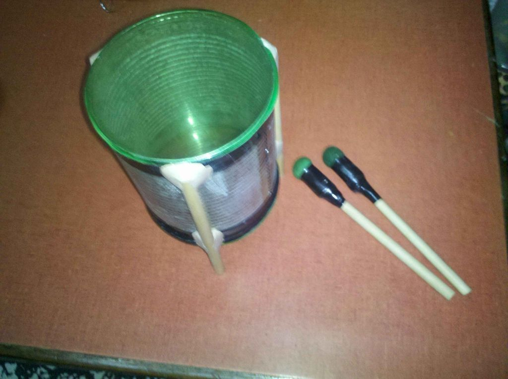 how to make a drum from a can and a water or soda bottle made of pete 1 type recyclable plastic. Black Bedroom Furniture Sets. Home Design Ideas
