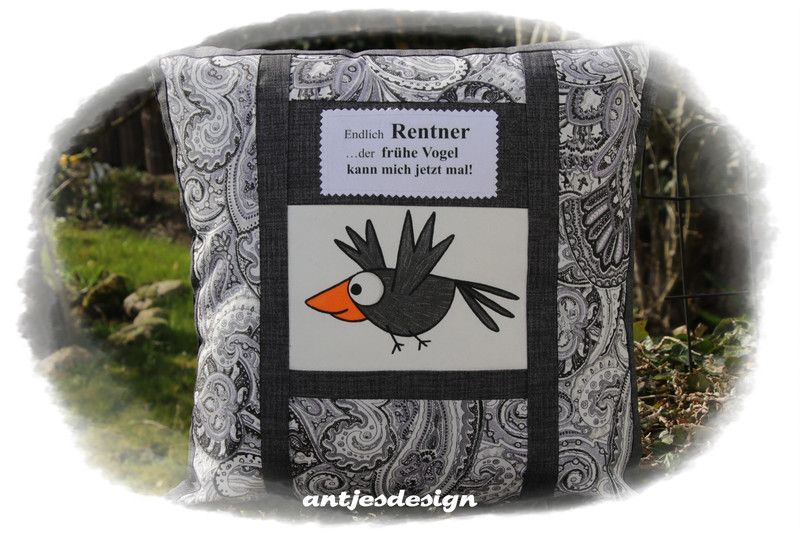 geschenk ruhestand kissen schwarz wei fr he vogel geschenk ruhestand kissen schwarz wei und. Black Bedroom Furniture Sets. Home Design Ideas