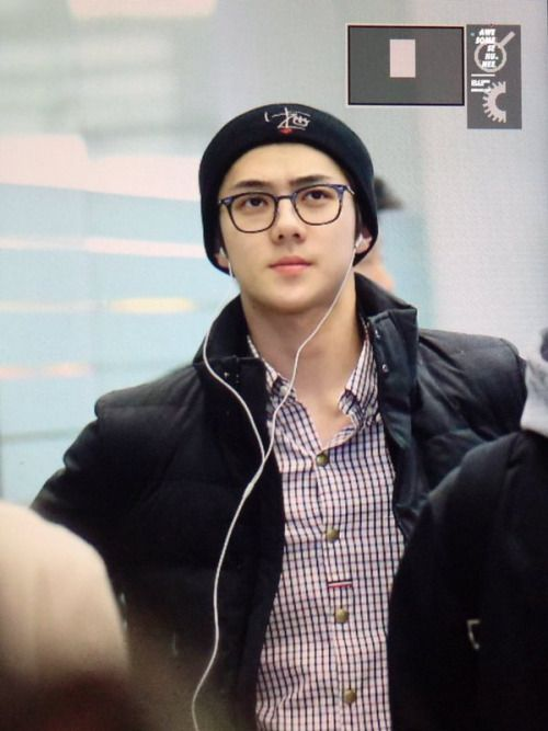 Sehun - 160209 Incheon Airport, departing for DallasCredit: Awesome Sehunee. (인천공항 출국)