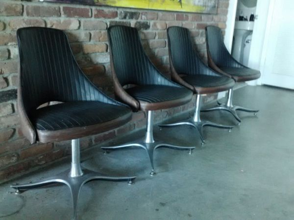 Miami: 4 vintage dining chairs $200 - http://furnishlyst.com/listings/861479