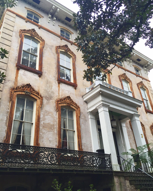 The Noble Hardee Mansion A Pre Civil War Home Is Still Sitting In Its Original State Downtown Savannah Geor Savannah Chat Historic Savannah Historic Mansion