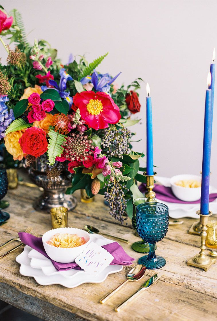 Jewel toned wedding colour - Jewel toned wedding table decors #weddingtable