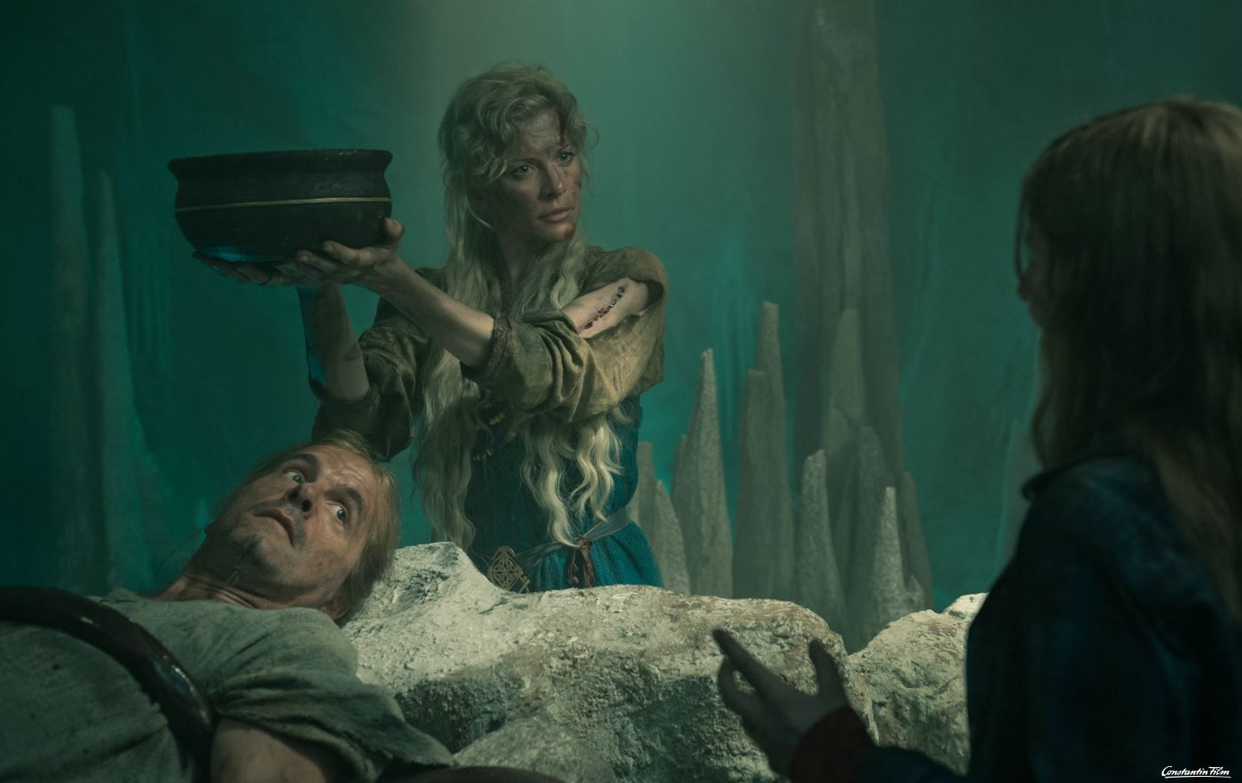 Soll Mara Lilian Prent Loki Christoph Maria Herbst Und Seiner Gattin Sigyn Eva Habermann Vertrauen Fantasy Films Fantasy Mythology