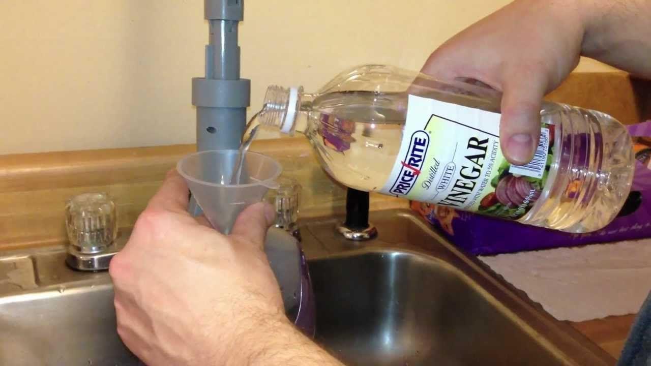 Vinegar in Steam Mop